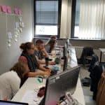 Agile2Go mit Mathe-Genies, Gruppenbild am PC